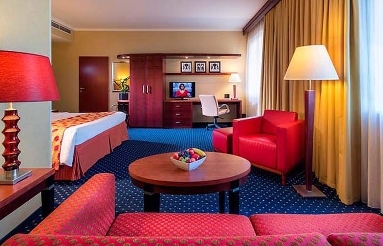 Courtyard by Marriott Prague City - Room - 10