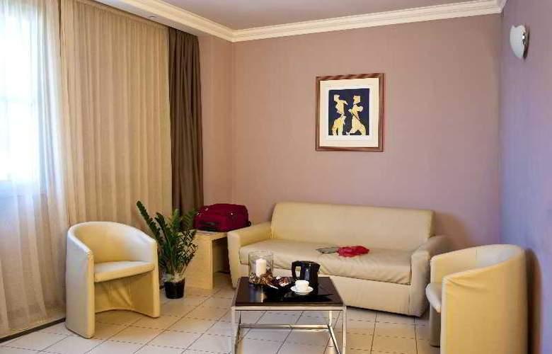 CDH Hotel La Spezia - Room - 9