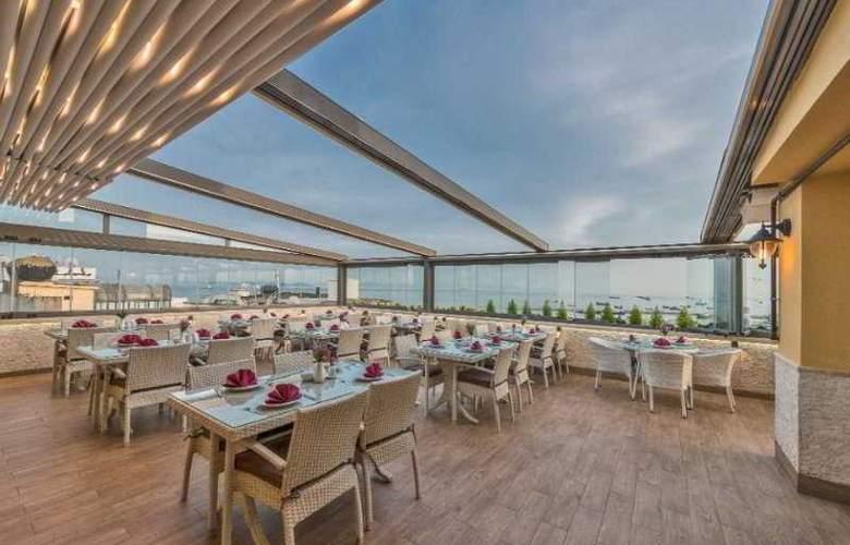 Selenay Hotel - Terrace - 3