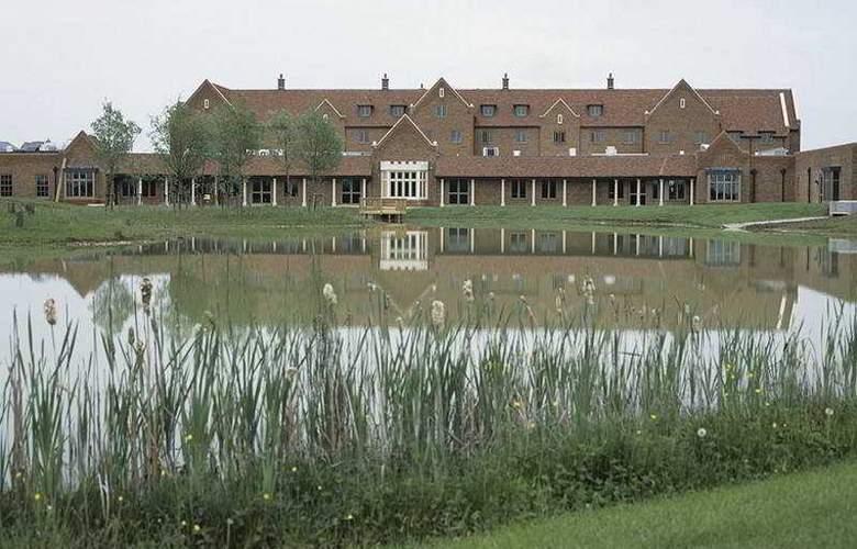 The Cambridge Belfry - QHotels - Hotel - 0