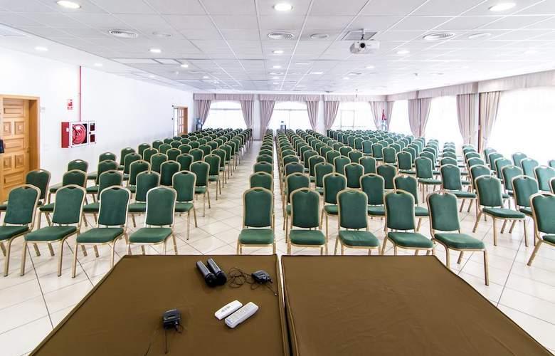 St. Gothard - Conference - 15