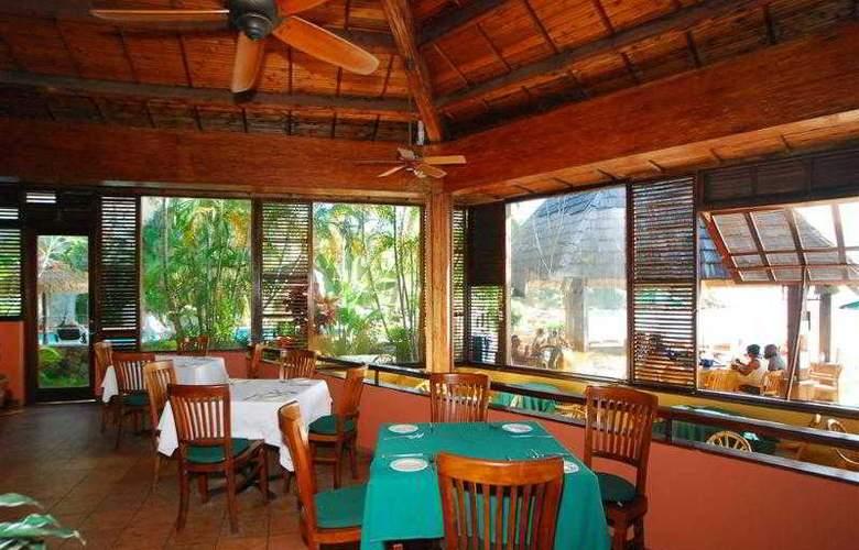 Best Western Emerald Beach Resort - Hotel - 42