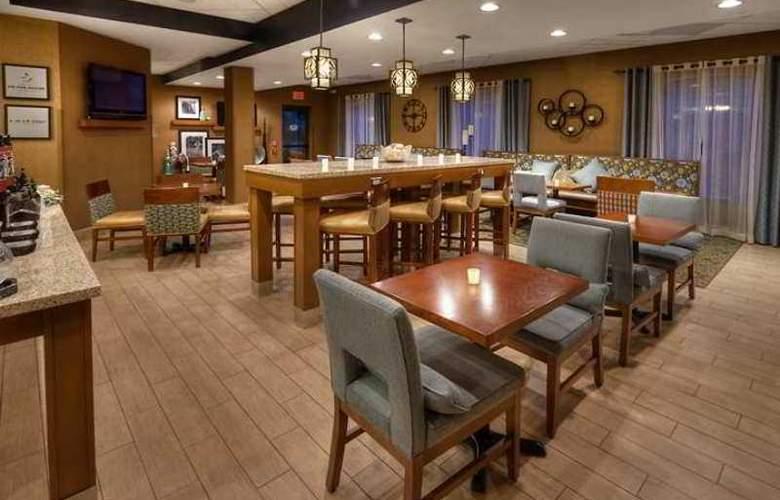 Hampton Inn Greensburg - Hotel - 1