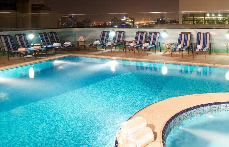 Carlton Al Barsha - Pool - 16