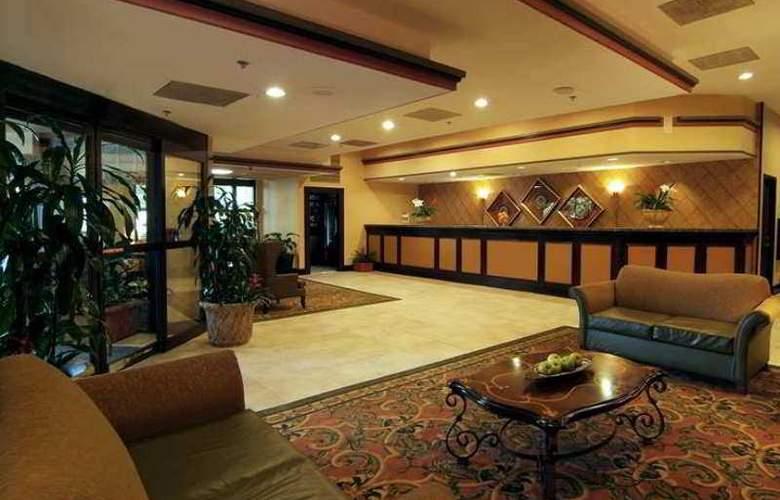 Embassy Suites Hotel - Hotel - 11