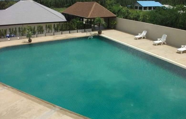 Taipan Resort & Condominium - Pool - 6