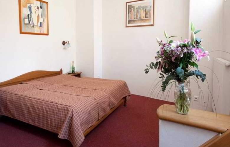 King George Hotel - Room - 3
