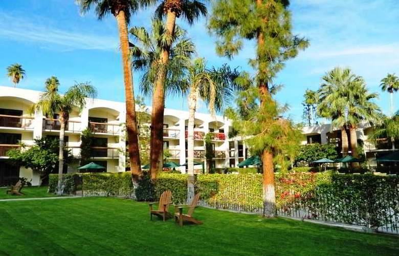 Palm Mountain Resort & Spa - Terrace - 11