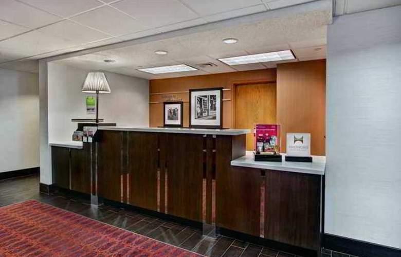 Hampton Inn Milwaukee-Northwest - Hotel - 0
