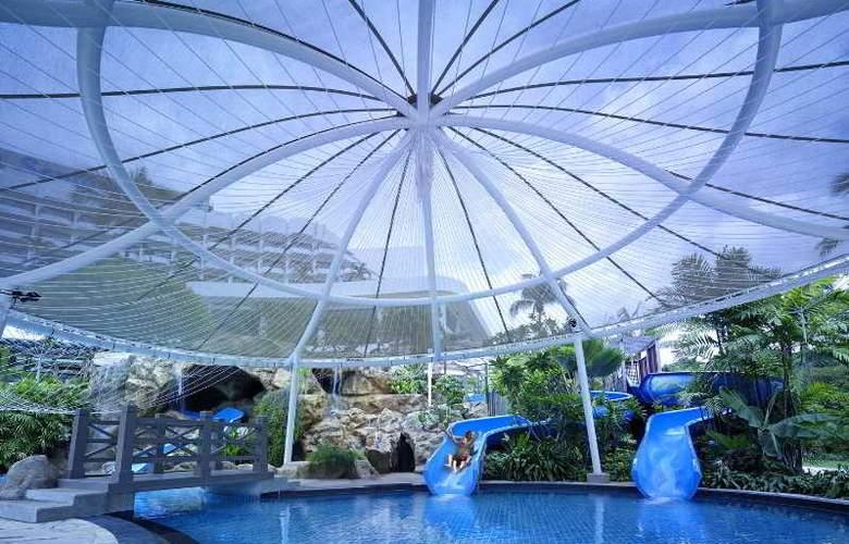 Shangri-la's Rasa Sentosa Resort - Pool - 4