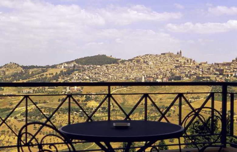 NH Villa San Mauro - Terrace - 19