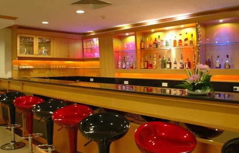Bossotel Inn Bangkok - Bar - 15