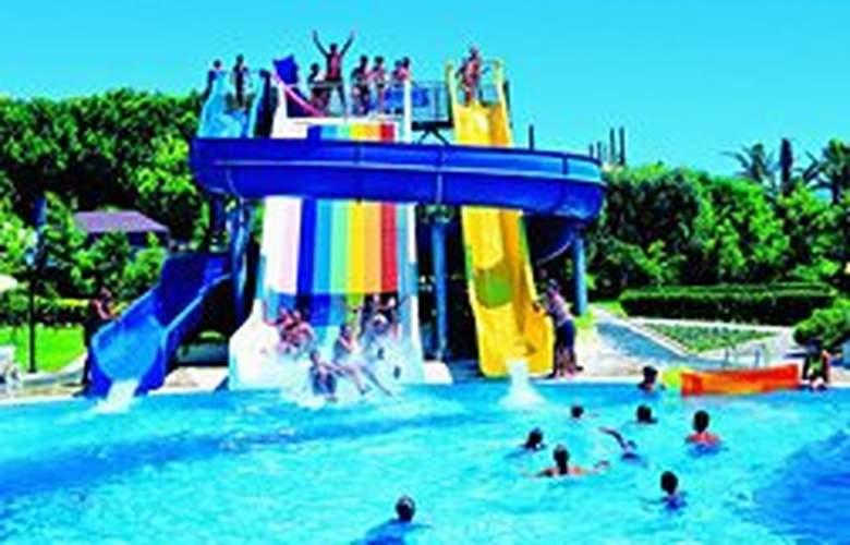 Terrace Beach Resort - Pool - 3