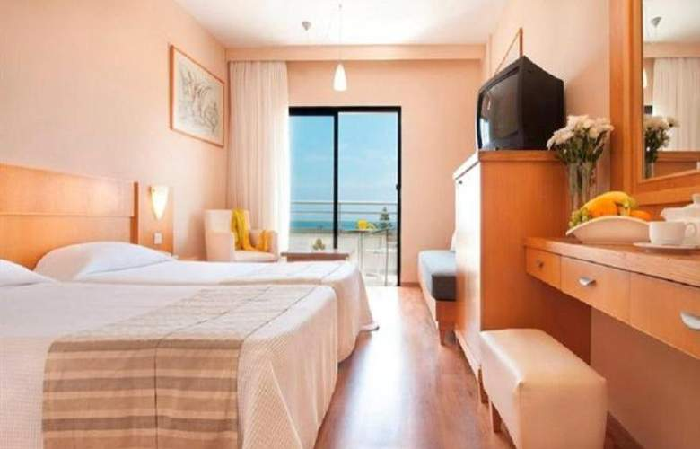 Louis Phaethon Beach - Room - 5