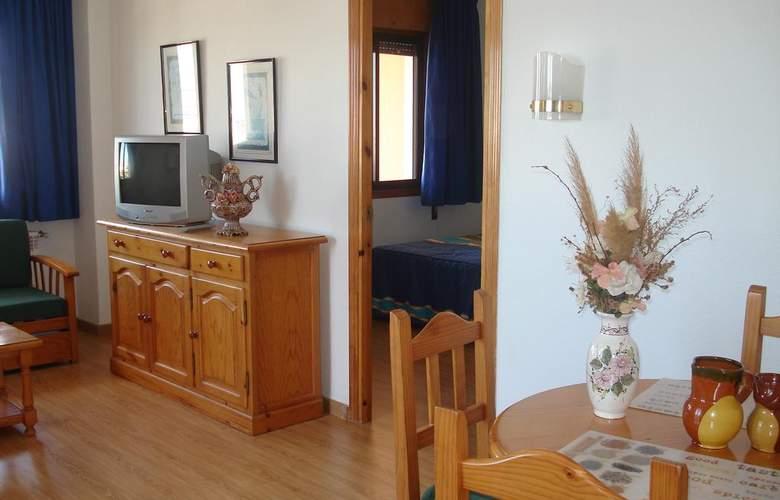 Apartamentos Fenix - Room - 7