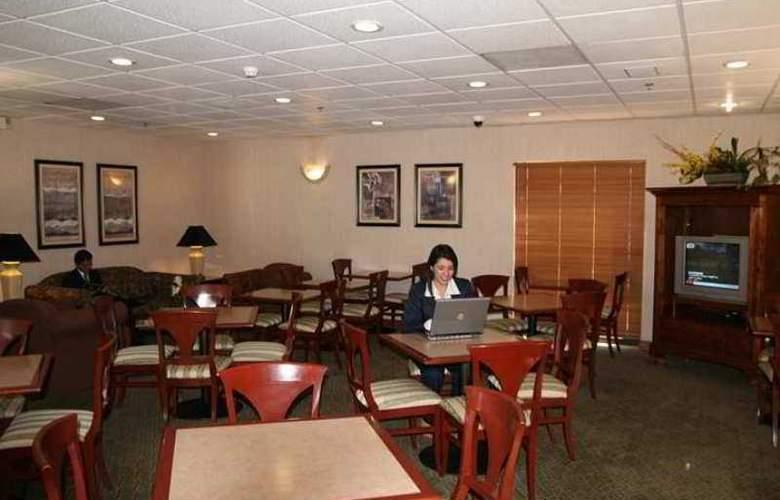 Hampton Inn By Hilton Saltillo - Hotel - 9