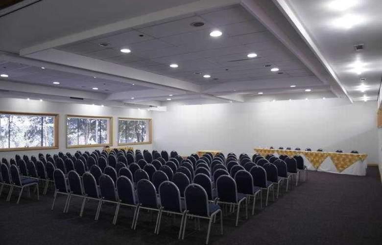 Augustus Plaza Inn - Conference - 5