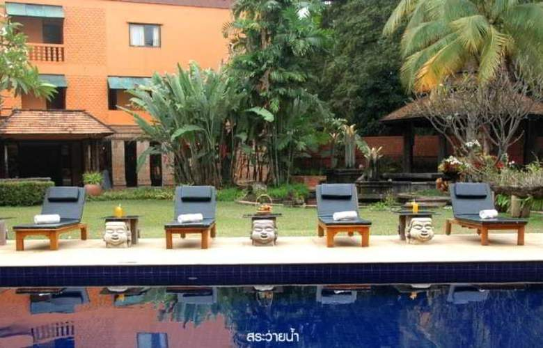 Holiday Garden Hotel & Resort Chiang Mai - Pool - 10
