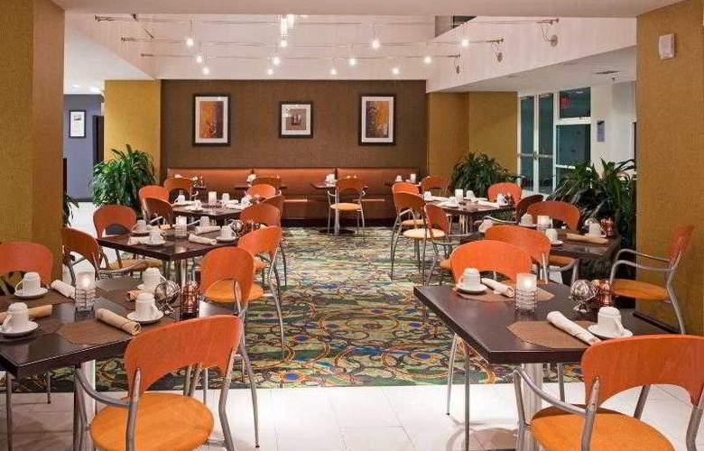 Crowne Plaza Tampa Westshore - Restaurant - 23