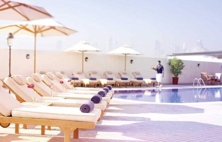 Movenpick Bur Dubai - Pool - 34