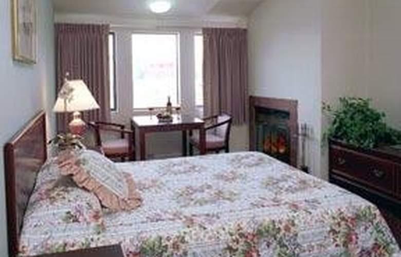 Econo Lodge Bay Breeze - Room - 2