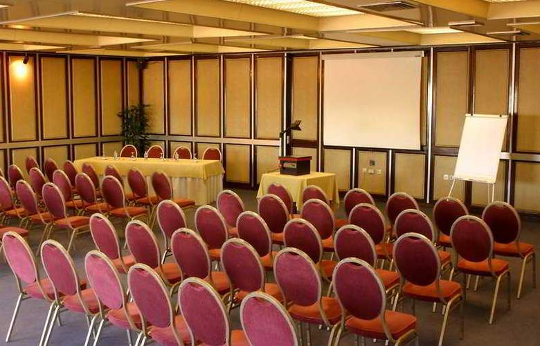Imperial - Conference - 6