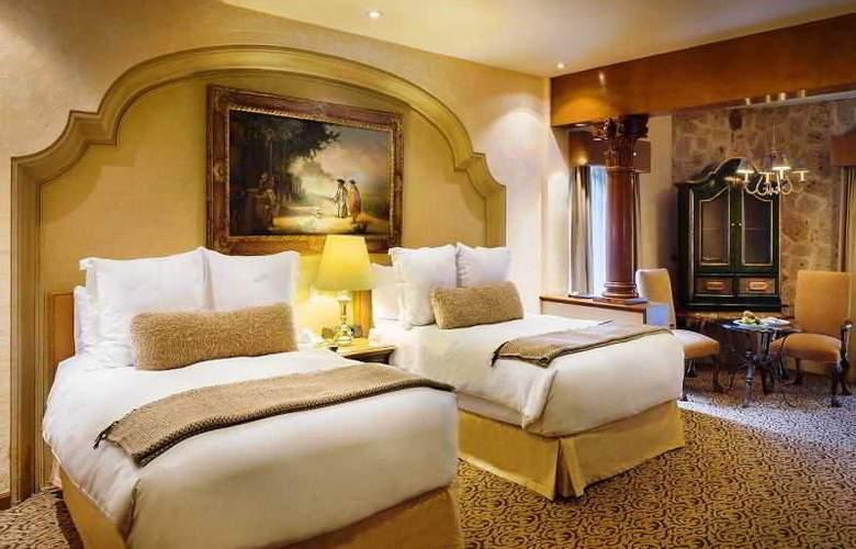Quinta Real Guadalajara - Room - 9