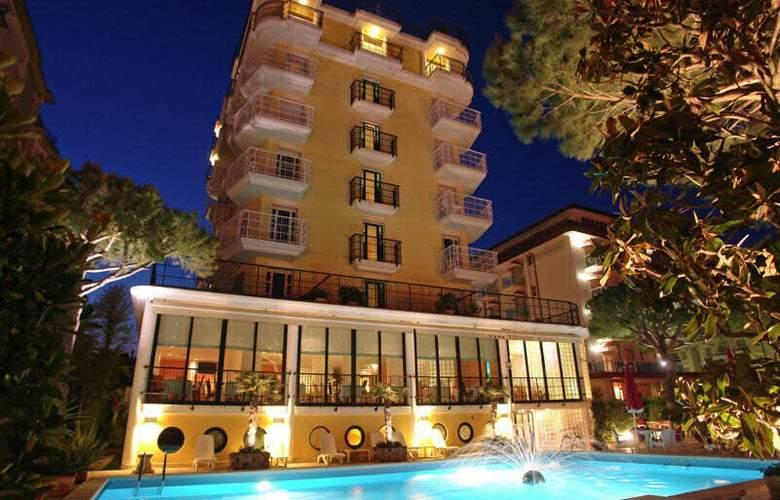 Termini Beach Hotel & Suite - Hotel - 0