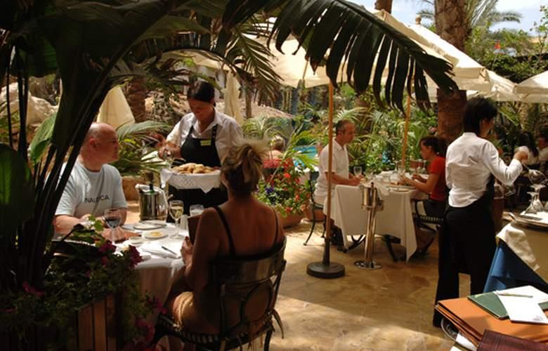Fortina Hotel Spa Resort - Restaurant - 19