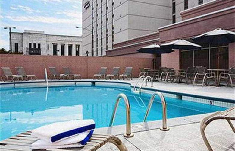 Holiday Inn Express Nashville Downtown - Pool - 5