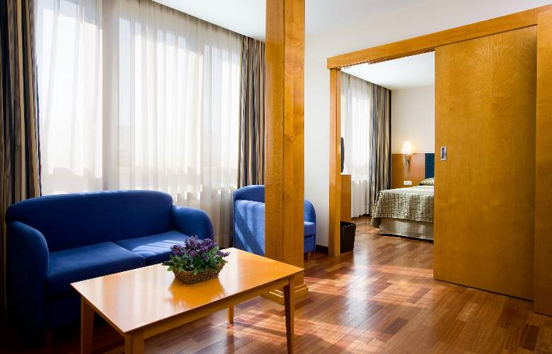 NH Castellon Mindoro - Room - 4
