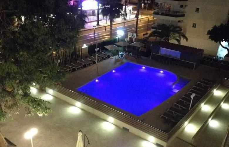 Planas - Pool - 19