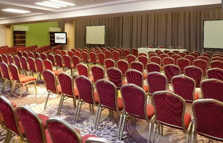 Warminski - Conference - 18