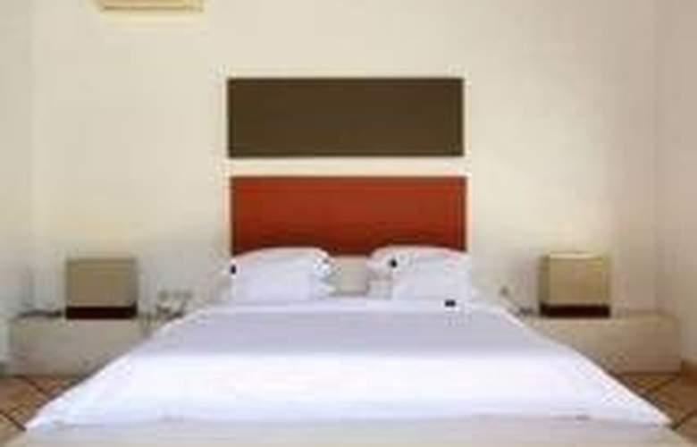 B Villa + Pool - Room - 0