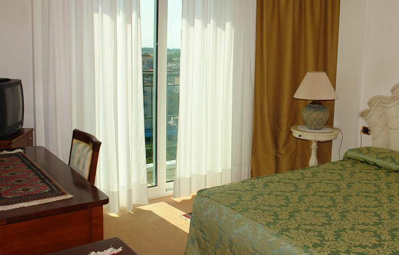 Termini Beach Hotel & Suite - Room - 5