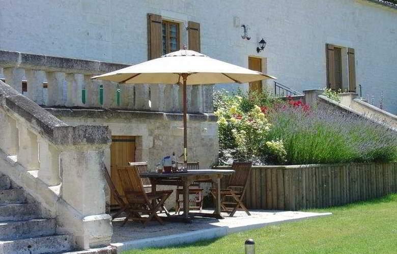 Relais De Saint Preuil - Terrace - 6