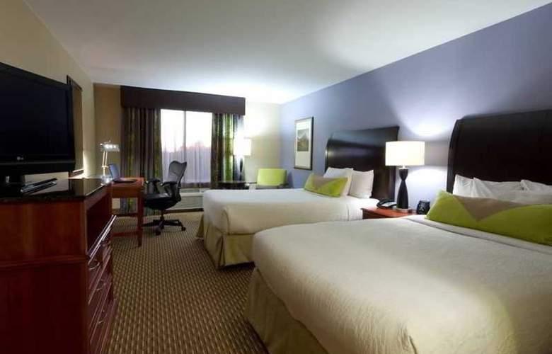 Hilton Garden Inn Airport - Room - 13