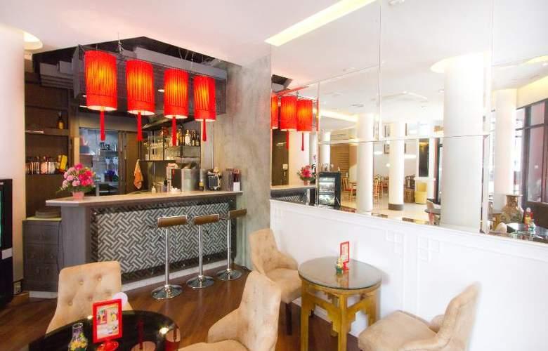 China Town Hotel - Bar - 35
