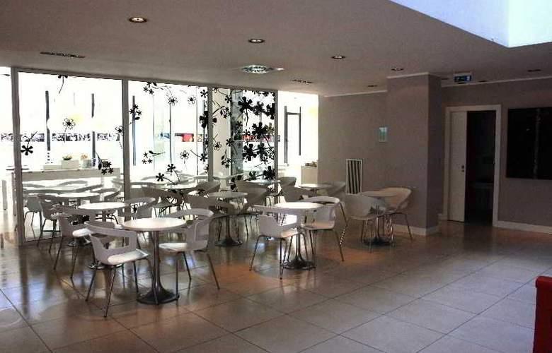 Idea Hotel Milano Watt13 - Bar - 10