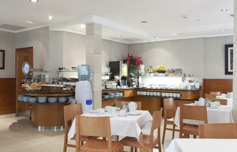 Hotel Regente - Restaurant - 36