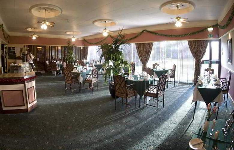 Crerar Eight Acres Hotel - Restaurant - 5