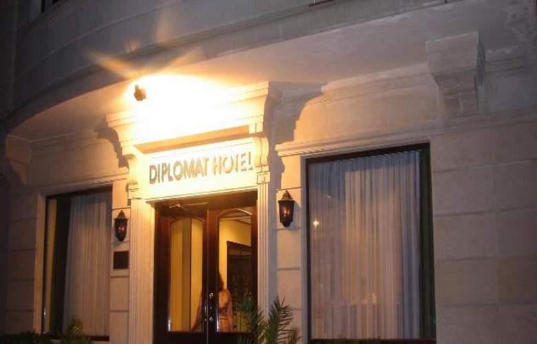 Diplomat Hotel - Hotel - 5