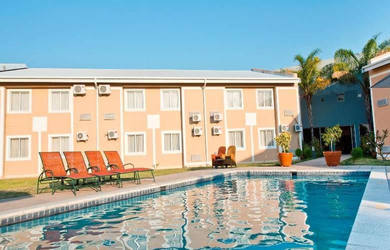 Protea Hotel Ondangwa - Pool - 11