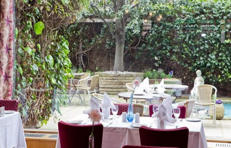 The Bedford - Restaurant - 11