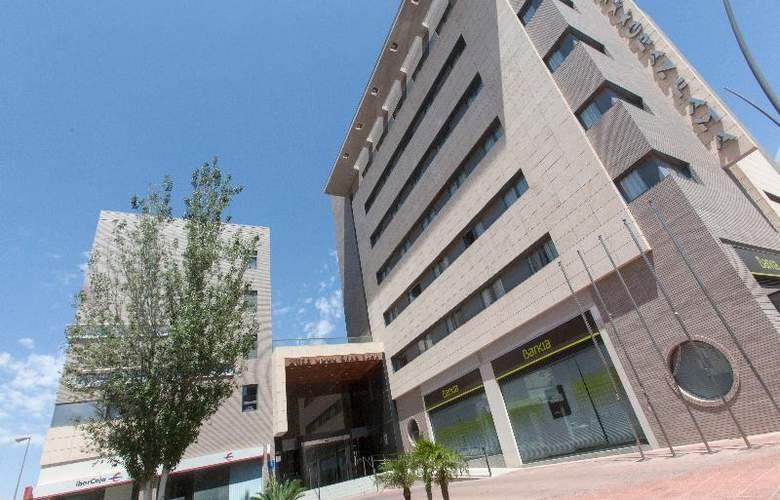 Sercotel Gran Fama - Hotel - 10