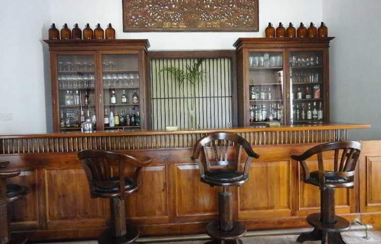 Tamarind Hill - Bar - 5
