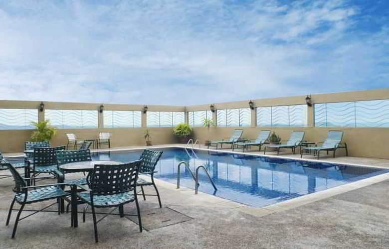 Empress Hotel Sepang - Pool - 2