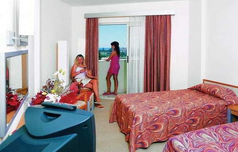 Serenis Hotel - Room - 2
