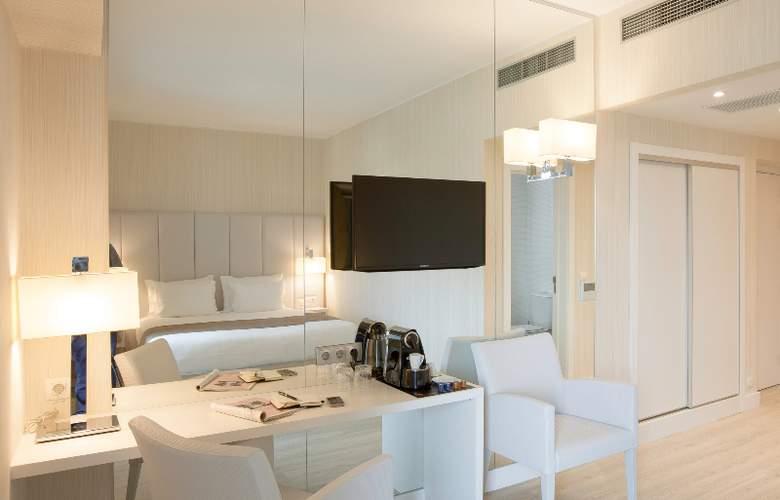 Lutecia Smart Design - Room - 12