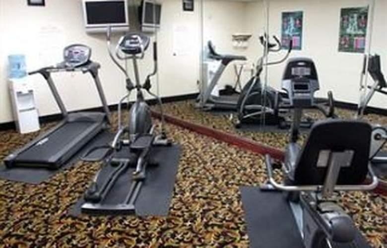La Quinta Inn & Suites Tampa Central - Sport - 11